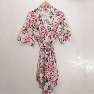 Show Me Your MuMu, Floral Kimono Robe,  Small